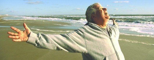 Old Man Happy 640x251 1920w